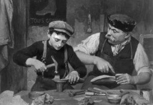 maestro-artigiano-bottega-scuola-salerno-e1423437492476