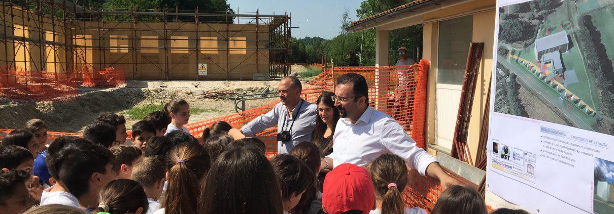 crespina bambini e famiglie in visita al cantiere della scuola